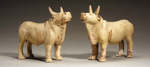 A Pair of Straw-Glazed Pottery