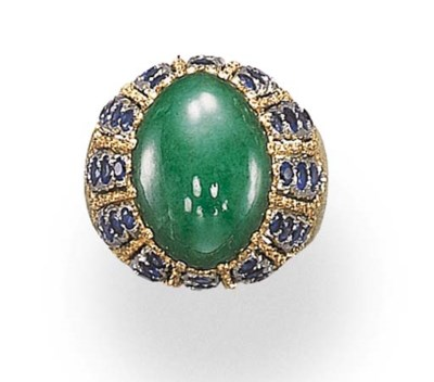 A JADEITE AND SAPPHIRE RING, B