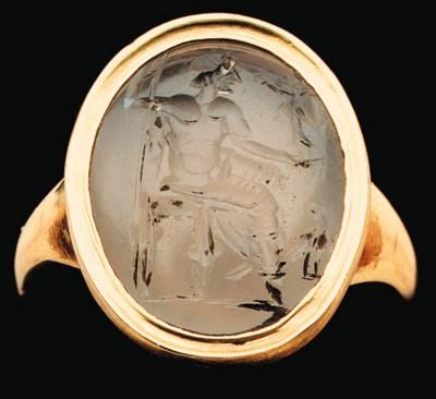 A ROMAN CHALCEDONY RING STONE