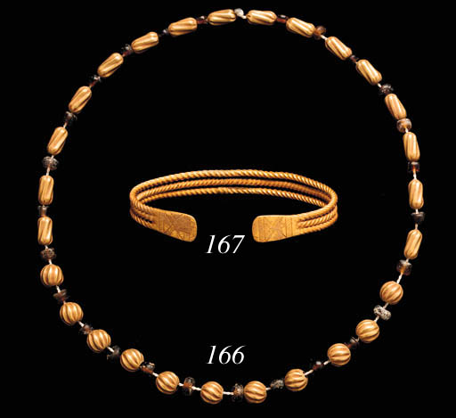 A ROMAN GOLD AND GLASS BEAD NE