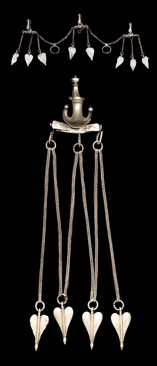 A SUITE OF ROMAN SILVER JEWELR