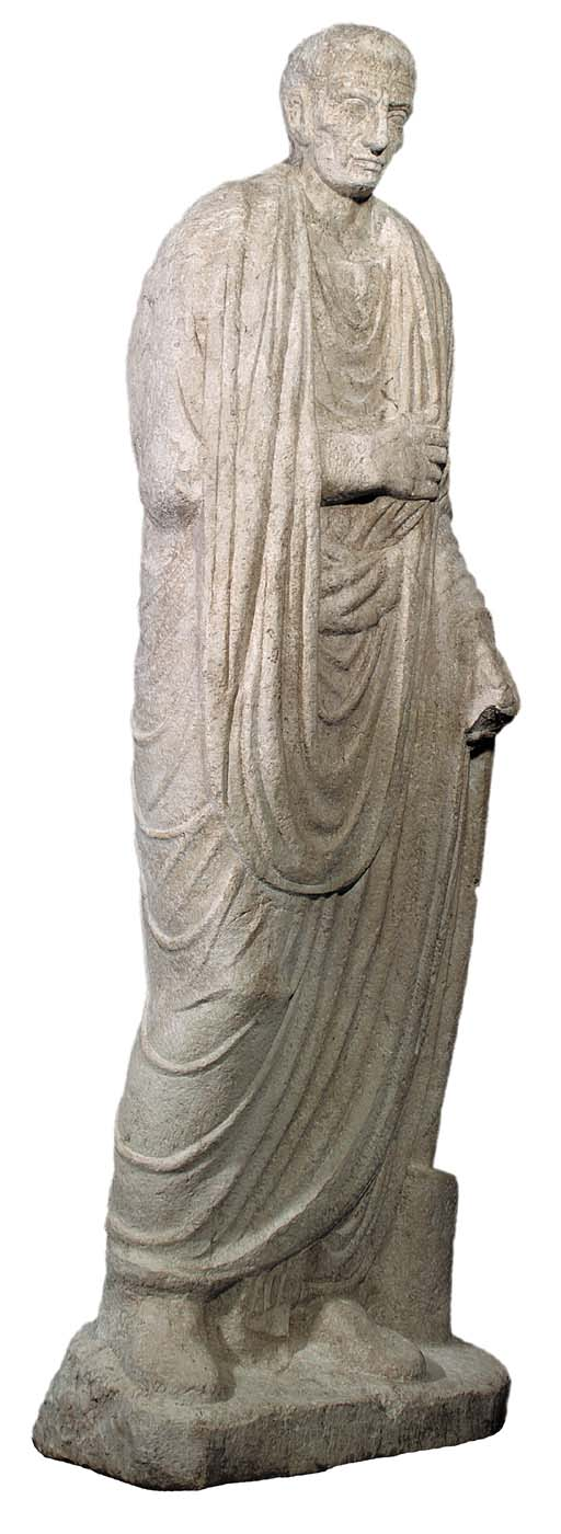A ROMAN MARBLE FIGURE OF A TOG