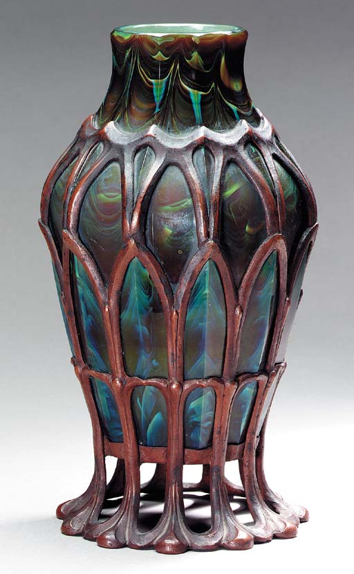 A BRONZE-MOUNTED 'AGATE' FAVRILE GLASS VASE | TIFFANY