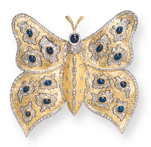 A GOLD, SAPPHIRE AND DIAMOND BUTTERFLY BROOCH