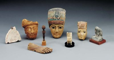A GROUP OF EGYPTIAN ANTIQUITIE