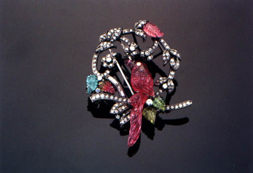 A TOURMALINE AND DIAMOND BROOCH