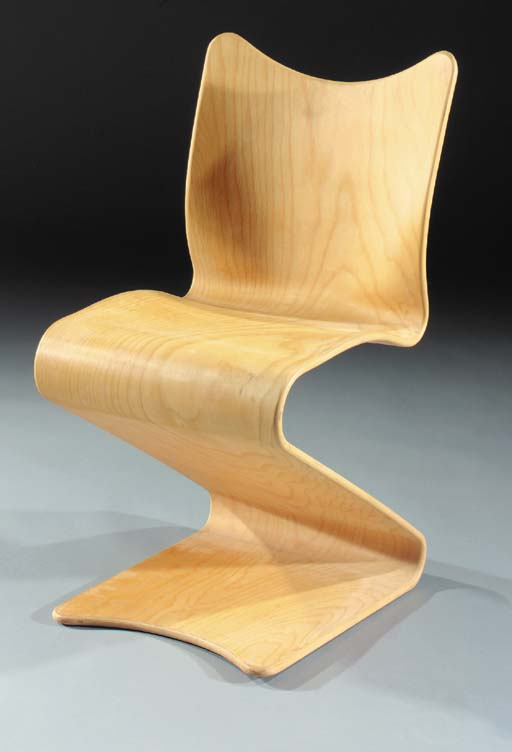 No. 275, a wooden S-chair