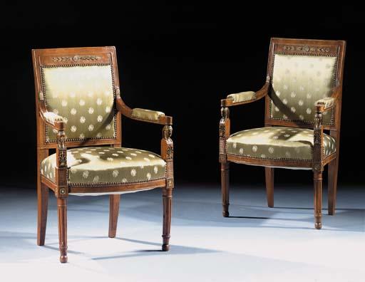 A pair of Dutch elm fauteuils