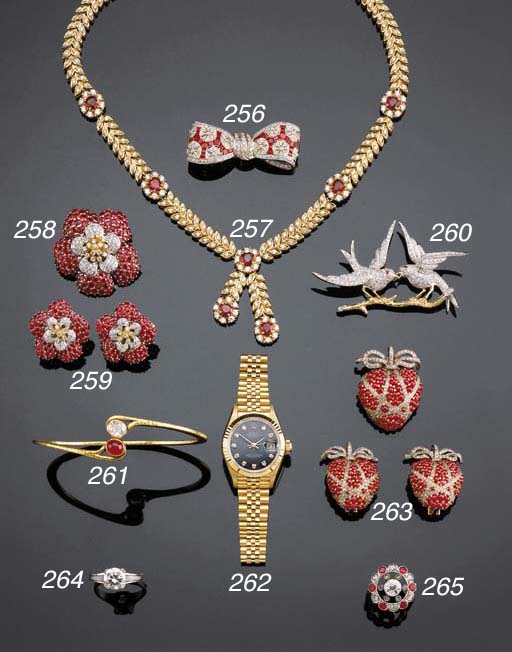 A GOLD, DIAMOND AND RUBY NECKL
