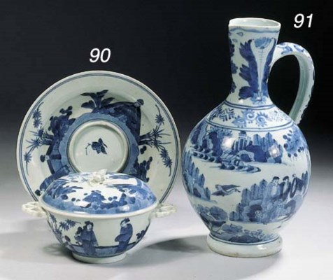 A small Arita blue and white c