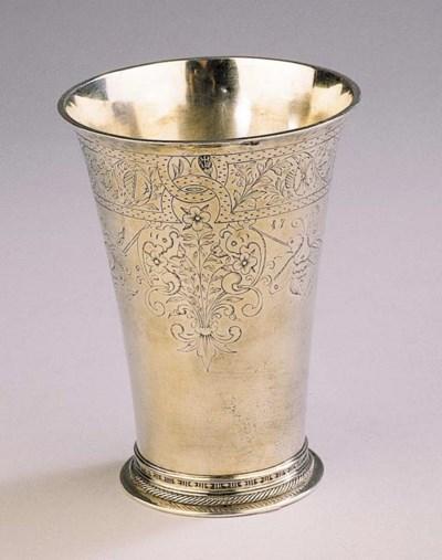 A Russian silver beaker in Dut