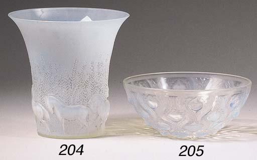 Cheveaux, an opalescent glass