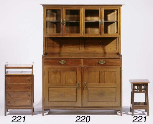 A Nieuwe Kunst cabinet