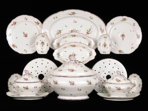 An extensive Paris porcelain d