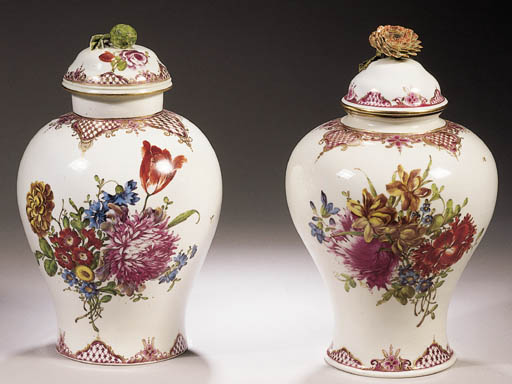 A set of two Ludwigsburg flora