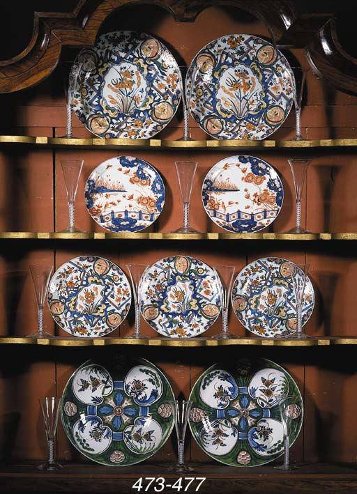Two Delft dore chinoiserie pan