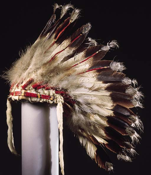 A PLAINS INDIAN FEATHER HEADDR