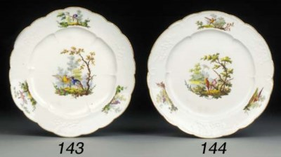 A Vincennes lobed plate (Assie