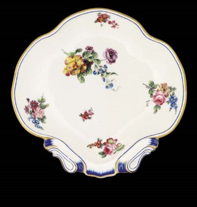 Six Sevres shell-shaped dishes