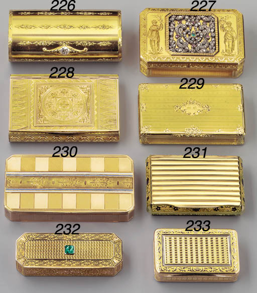 A RUSSIAN GOLD SNUFF-BOX