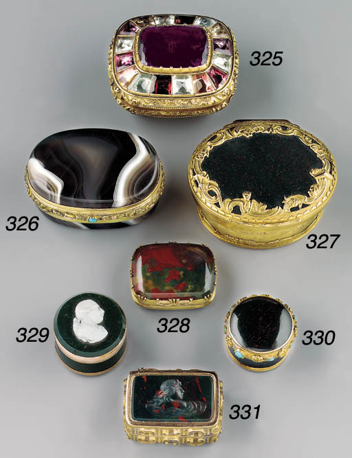 A gold and bloodstone vinaigre