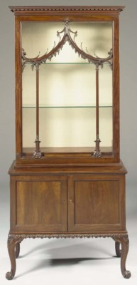 A GEORGE II MAHOGANY DISPLAY-C