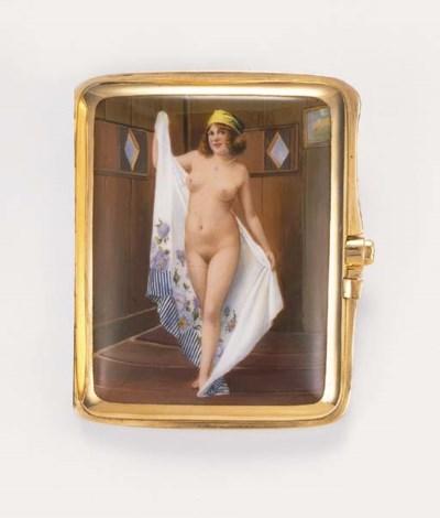 A gold and enamel cigarette ca