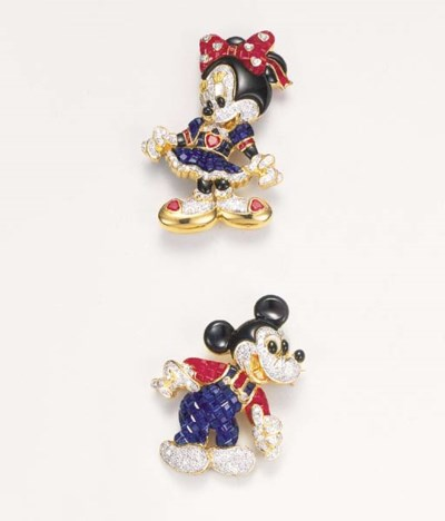 A pair of Mickey and Minnie Mo