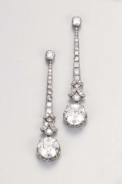 A pair of attractive diamond e