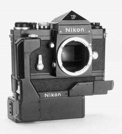 Nikon F no. 6923442