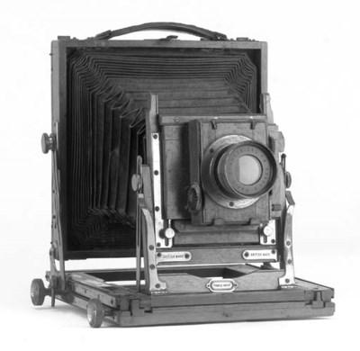 Triple Victo field camera
