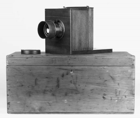 Wet-plate camera outfit