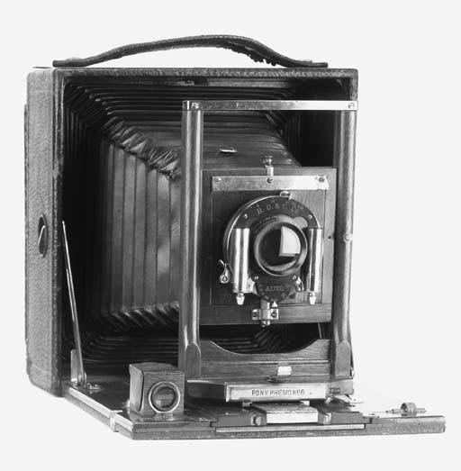 Hand cameras