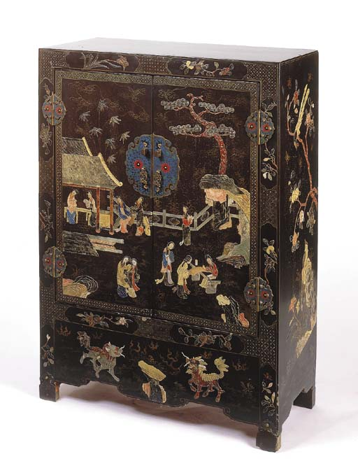A Chinese black-lacquer and de
