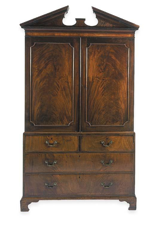 A George III mahogany linen pr