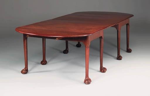 A George III mahogany extendin