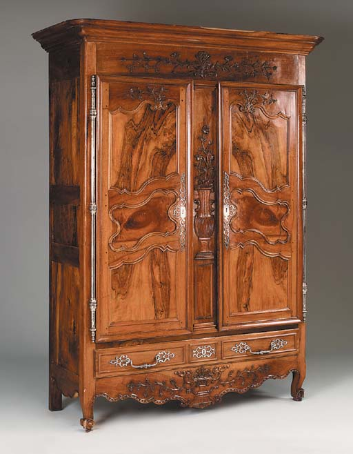 A French Provincial carved wal