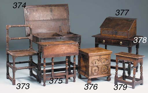 An oak side table, English, la