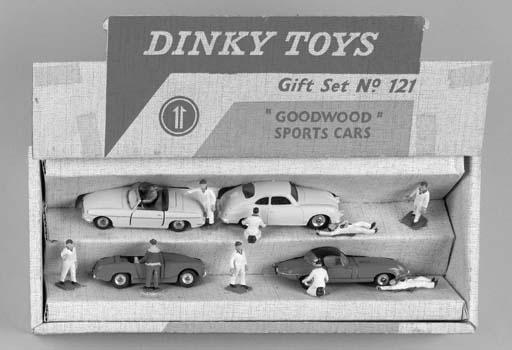 A Dinky Gift Set No. 121