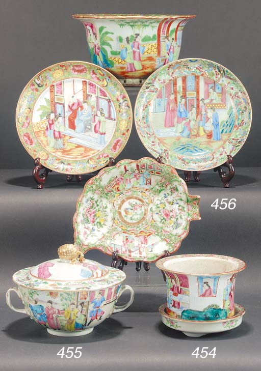 A Cantonese bowl and cover 19t