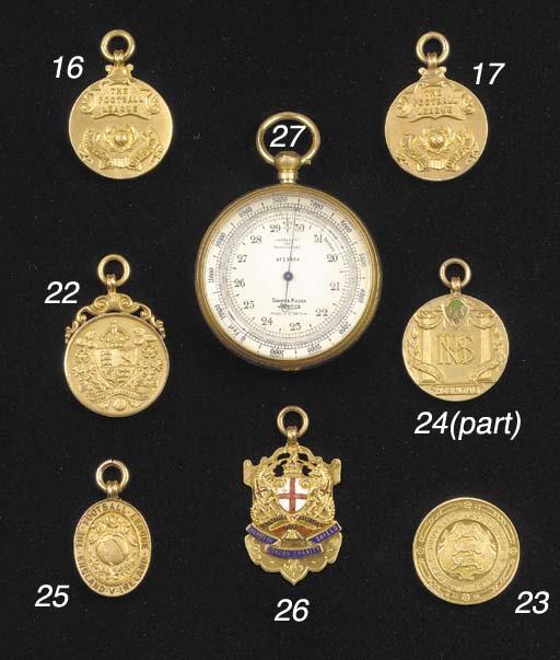 A gilt-metal pocket barometer