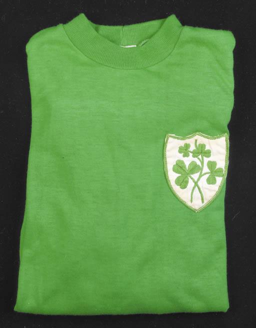 A green Ireland shirt, No.7, w