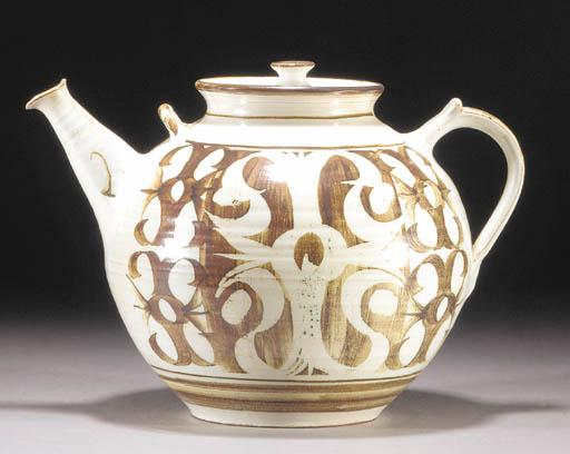 An Aldermaston Pottery large t