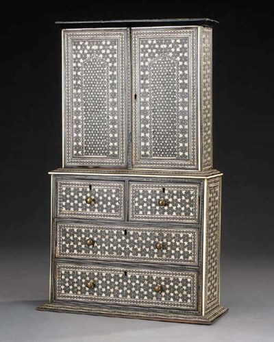 An Anglo-Indian table cabinet,