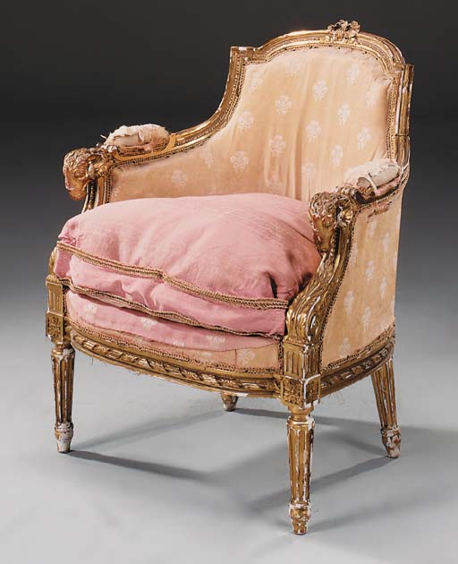 A CARVED GILTWOOD BERGERE, 19T