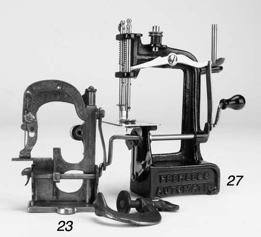 A Tabitha miniature sewing mac