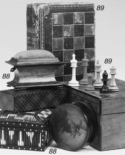 A bone Staunton style chess se