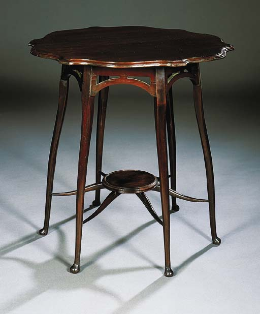 A MAHOGANY OCCASIONAL TABLE, I
