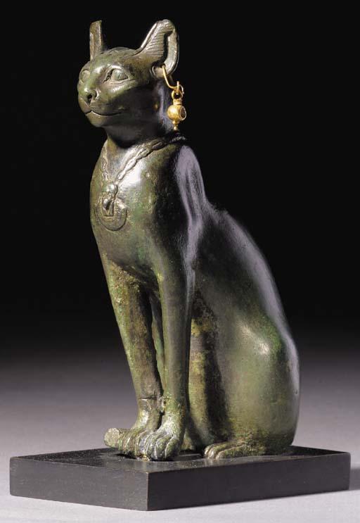 A FINE EGYPTIAN BRONZE FIGURE