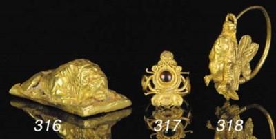 A GRAECO-EGYPTIAN GOLD AND GAR